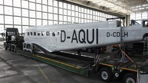 Junkers Ju 52 der Lufthansa zerlegt in München - April 2019
